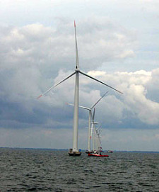 The picture shows an offshore wind farm near Nysted in Denmark, which is regarded as a model project., jpg, 19.3 KB